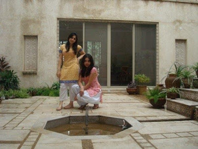 Saira Ghafar With Friend