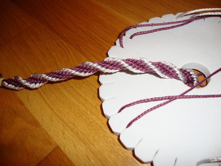 Pulseras hechas con kumihimo