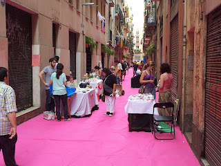 pink carpets at Paso de Zebra festival 2012 - Barcelona sights