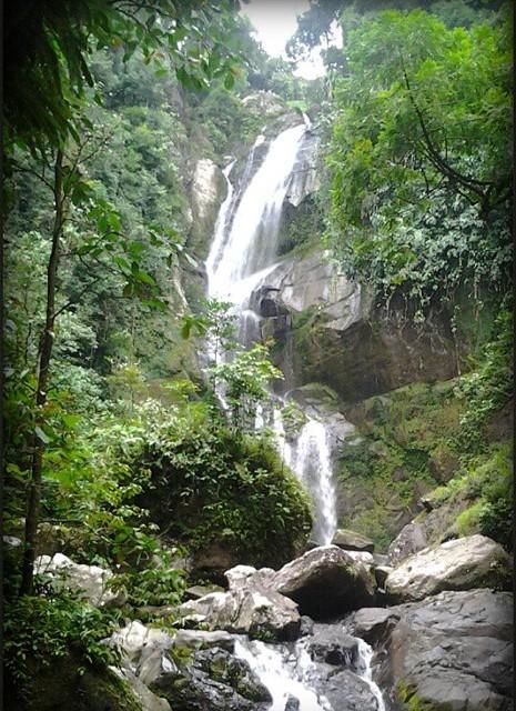 Air terjun tiga tingkat Lubuk Hitam Padang.