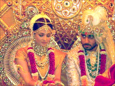Aishwarya Rai Abhishek Bachchan Wedding Photos