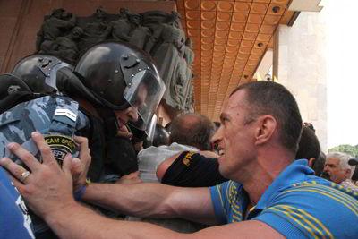 Фото Укринформ:столкновение