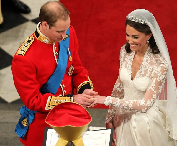 Prince William won't  wear wedding ring