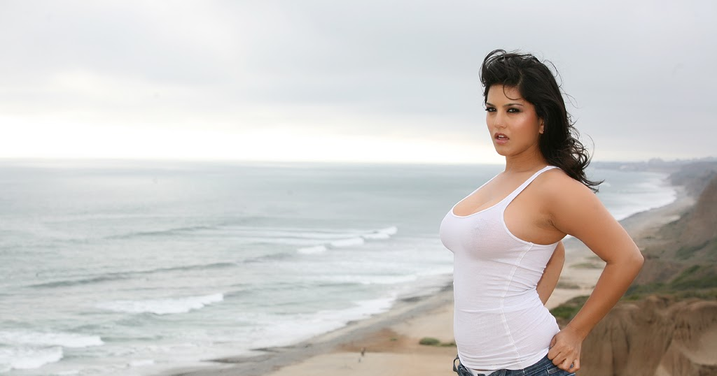 Sunny Leone In Hot Jeans And White Shirt Pics Tips