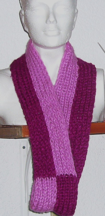 LOOM KNITTING AND SOMETHING ELSE: Vertical stripes Moebius scarf on the 10 pe...