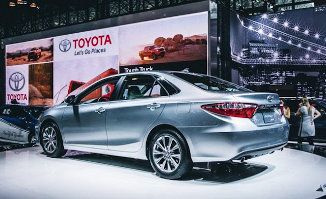 2017 Toyota Camry XSE Redesign Price