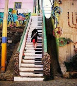 Eσύ είσαι η μουσική ...ακολουθείς