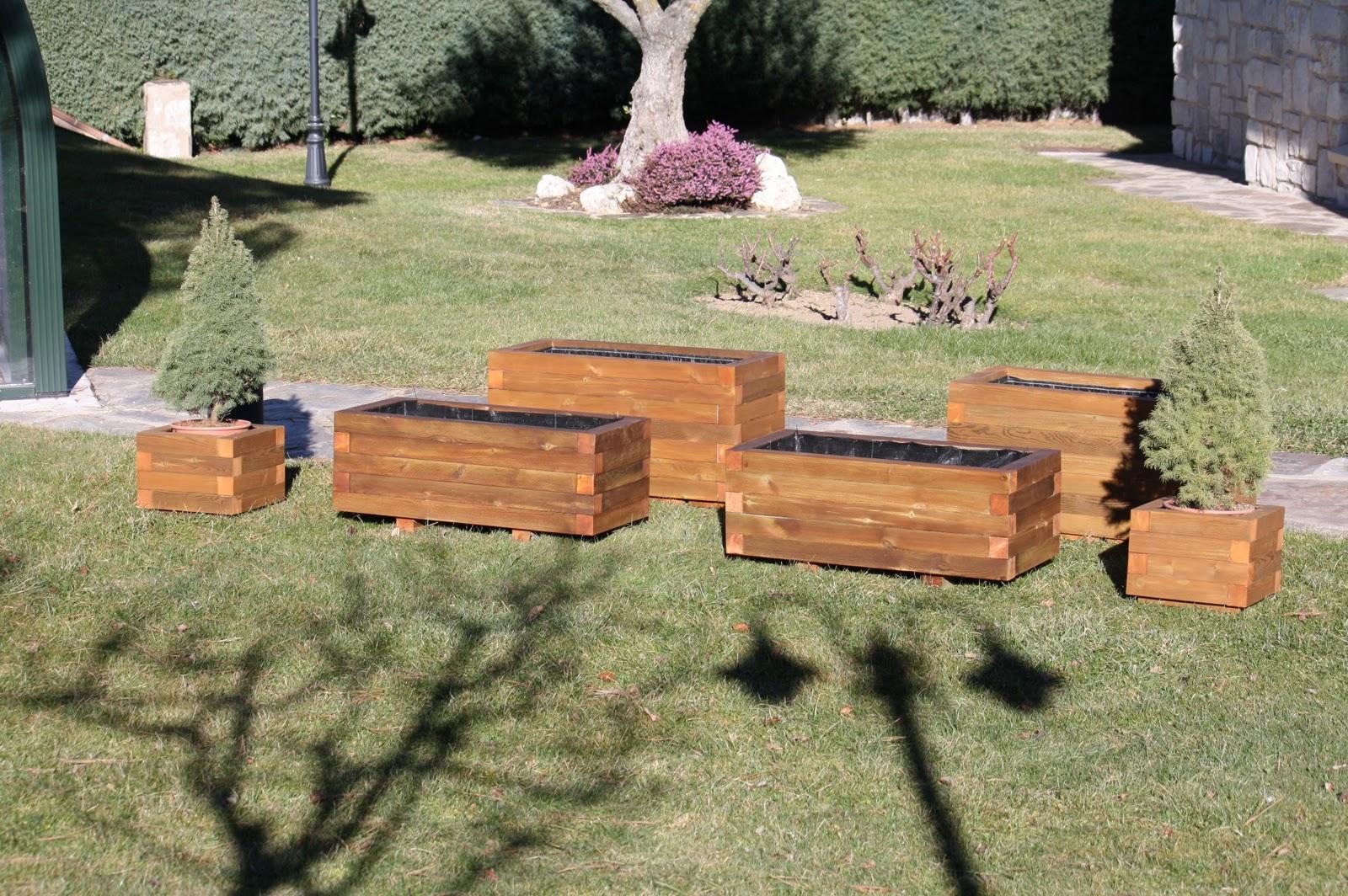 maceteros y jardineras en madera para exterior