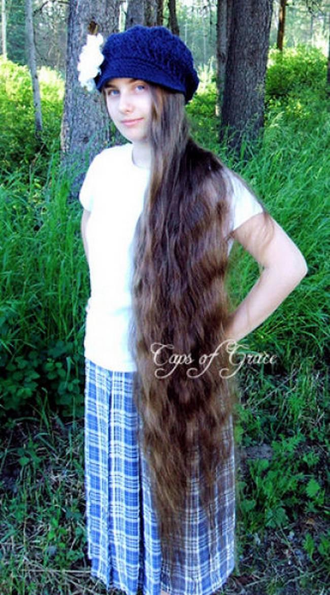 Foto Cewek-Cewek Berambut Panjang Seperti Rapunzel
