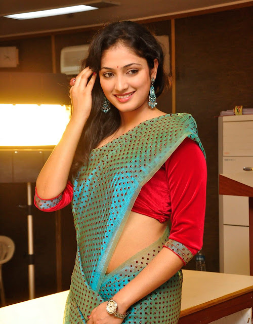 Actress Hari Priya HQ Saree Photos
