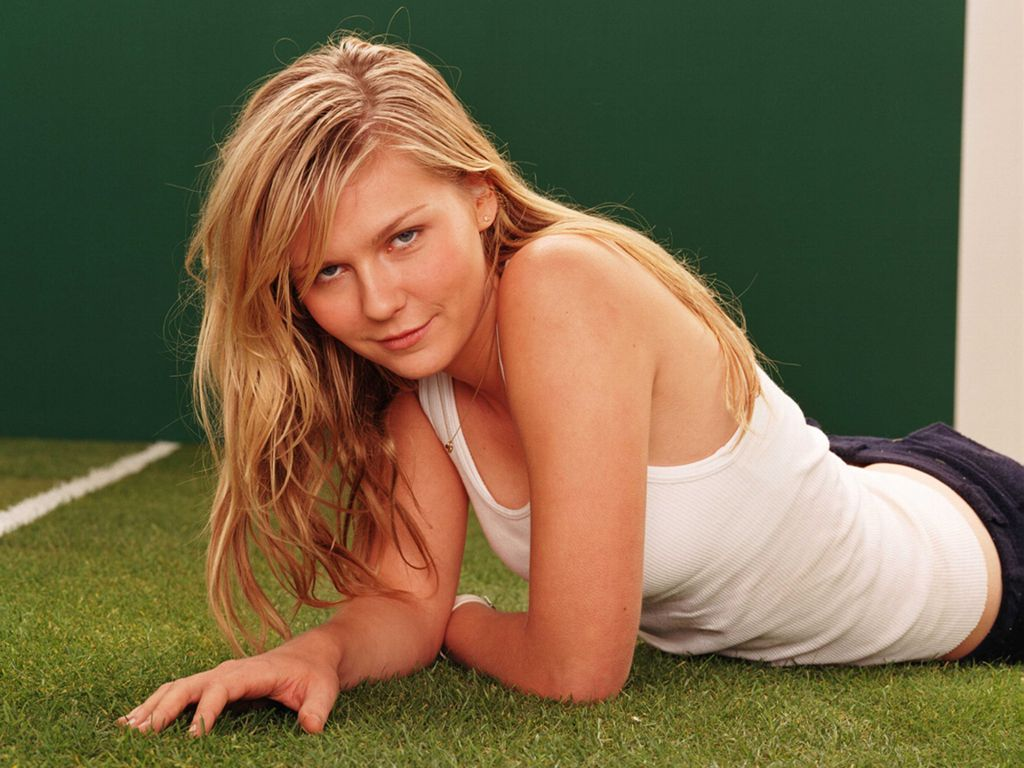 Kirsten Dunst Hot All About 24