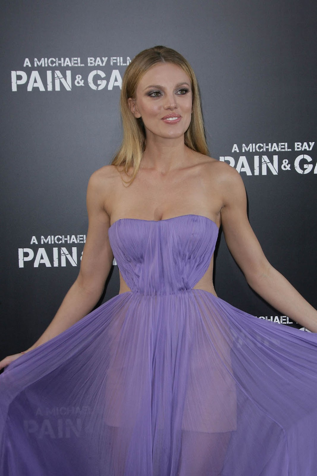 bar paly pain and gain 11
