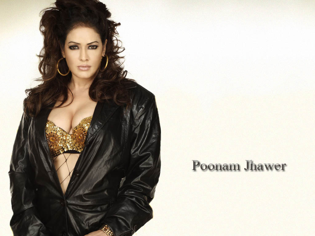 PopWrap  Bollywood Film Actress and Model Poonam Jhawer y