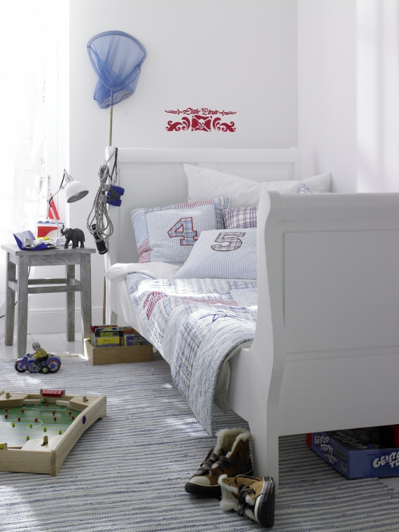 the boo and the boy boys 39 rooms. Black Bedroom Furniture Sets. Home Design Ideas