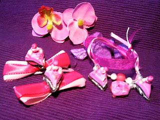 pinke Haarspangen mit Fimo Törtchen und pinkes Armband mit Fimo Sweets