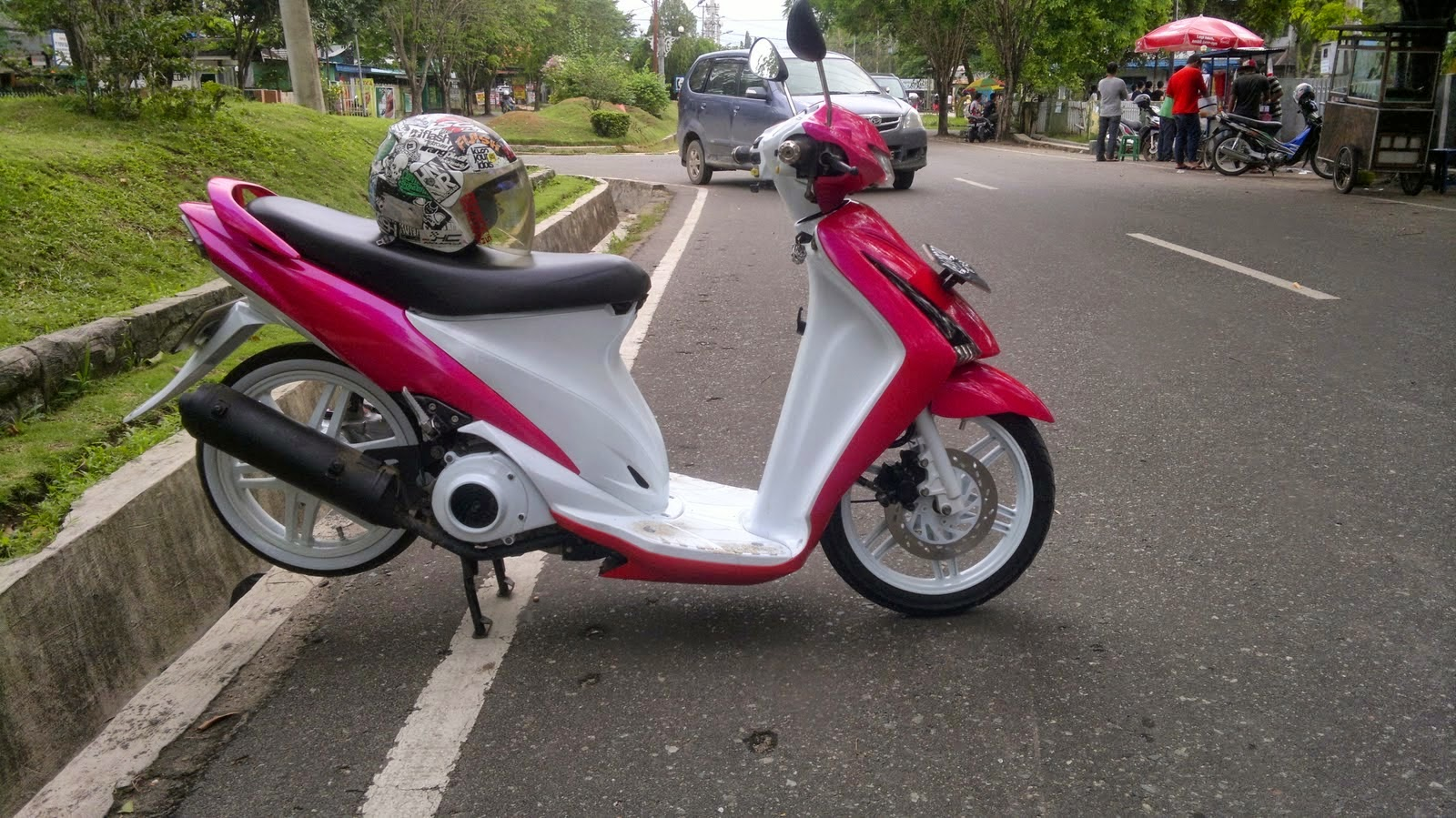 suzuki spin modifikasi retro