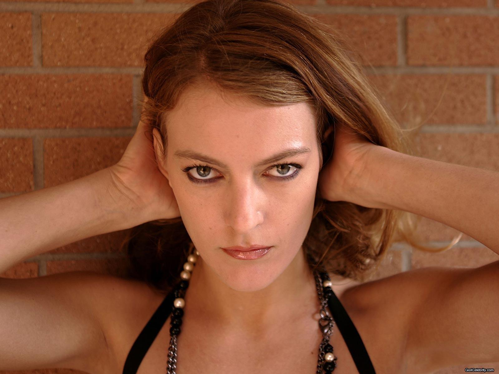 Camille Natta Nude Photos 6