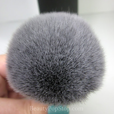 It Cosmetics Heavly Luxe Synthetic Powder Brush Review
