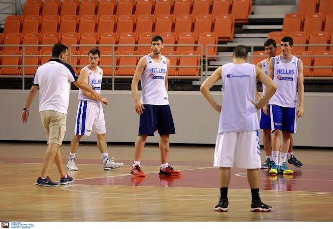 Φωτορεπορτάζ από την πρώτη προπόνηση της Εθνικής Νέων Ανδρών στην Κρήτη