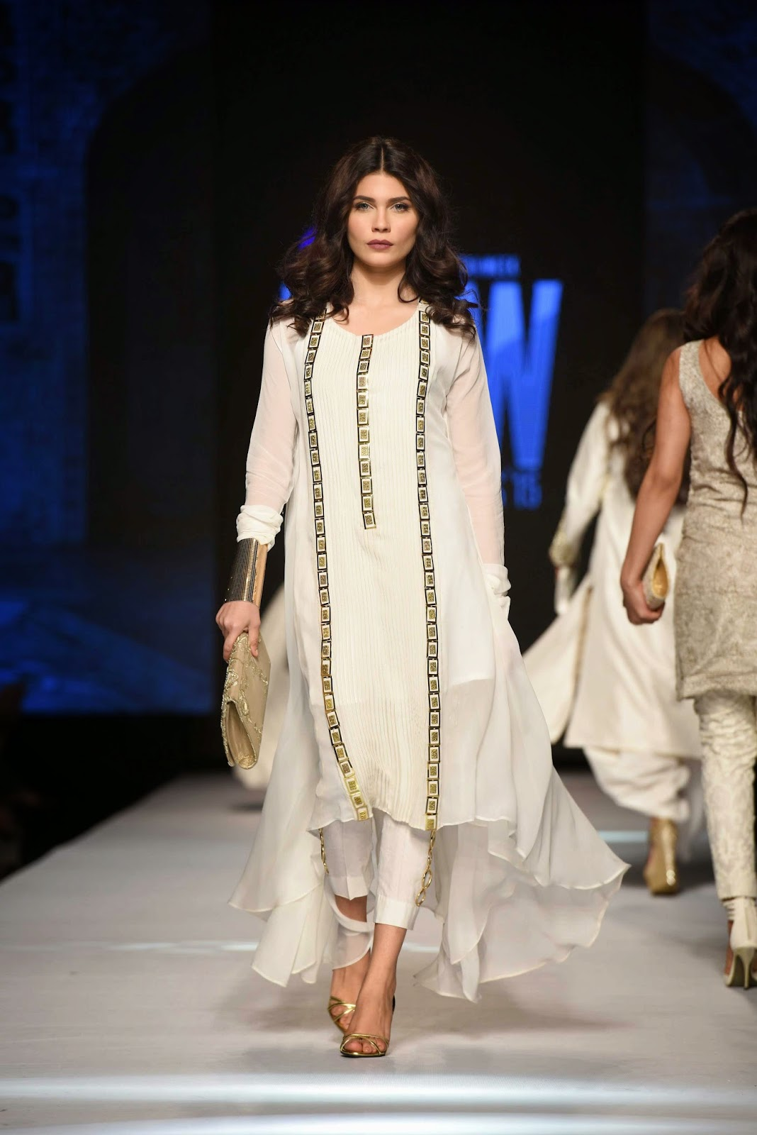 amna babar Gul Ahmed Telenor Fashion Pakistan Week 2015