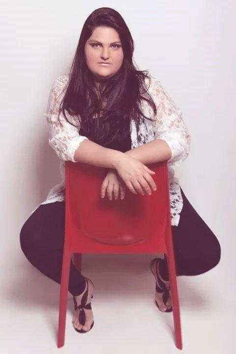 Modelo Plus Size Giselle Abrão, de Uberlândia