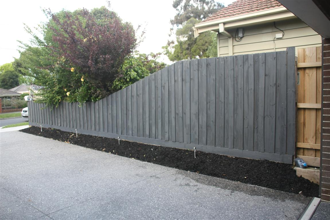 Tim Tina 39 S New Home Building Blog Redevelopment In Australia Diy Fence Painting