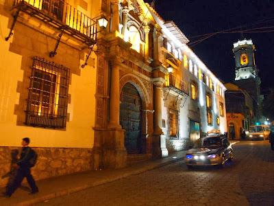 Casa de la Moneda de noche