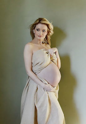 Holly Madison's pregnancy portrait