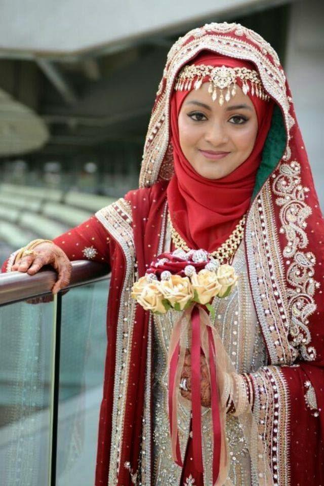 Jika anda suka dengan pengantin cantik yang ada pada gambar di atas