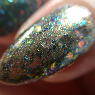 Blue sparrow King Triton over Revlon Beachy nail macro