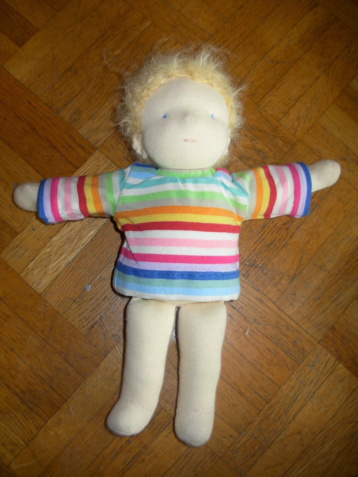 selbst genähte Puppe