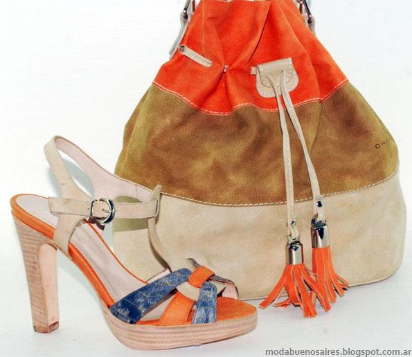 Moda verano 2013 Chiarini carteras y sandalias.
