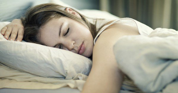 New Research Says Women Need More Sleep Than Men Because Their Brains Are More Complex