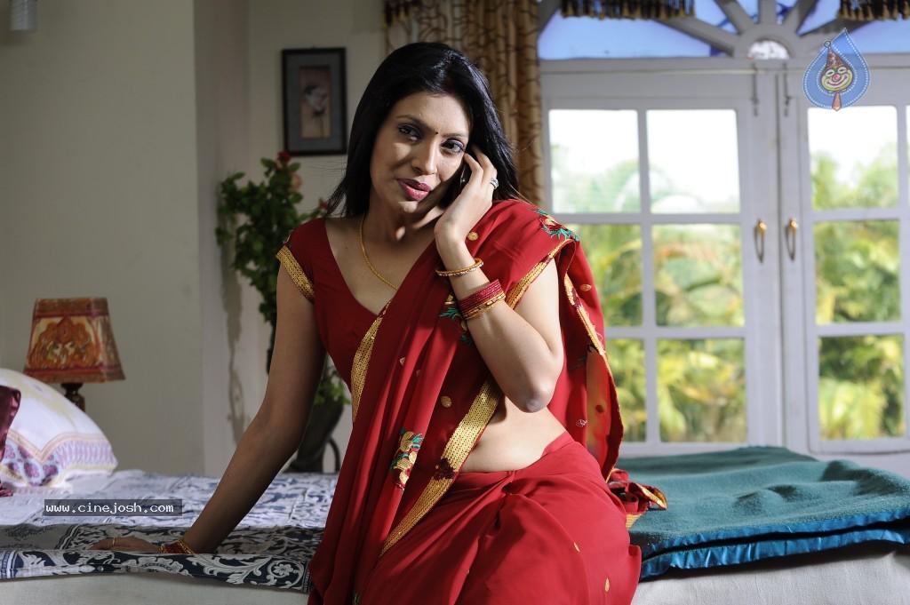 Indian Cute Girls & Aunties Photos: Hot & Sexy Girls..