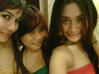 Foto Hot Cewek Kost Cantik dan Seksi Pic 15 of 35