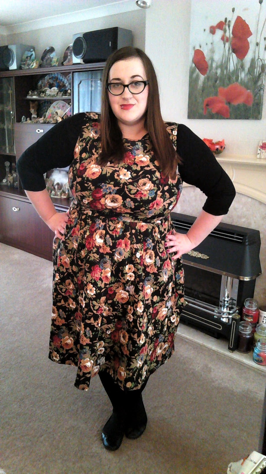 fat plus size girl bbw (size 20/22) wearing a Lindy Bop Audrey Hepburn floral dress and Wingz with ASOS Curve tights