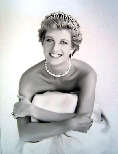 princess diana wedding pictures. princess diana wedding tiara.
