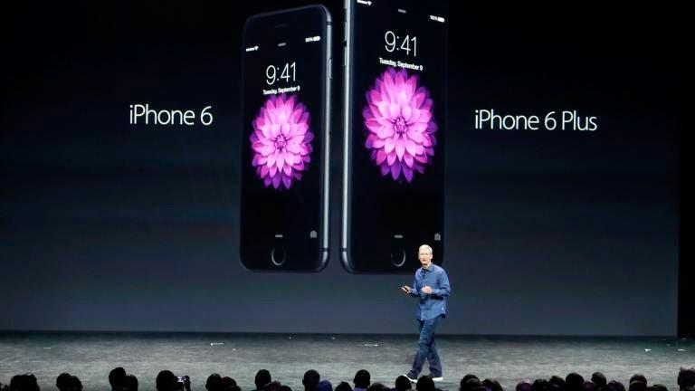 Ο Tim Cook παρουσίασε δύο νέα iPhones : το iPhone 6 και το iPhone 6 Plus την Τρίτη 9 Σεπτεμβρίου 2014, στο Cupertino της Καλιφόρνιας.