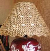 http://chabepatterns.com/free-patterns-patrones-gratis/home-hogar/lampshade-cozy-funda-para-lampara/