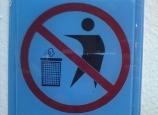 Cấm đổ rác vào thùng