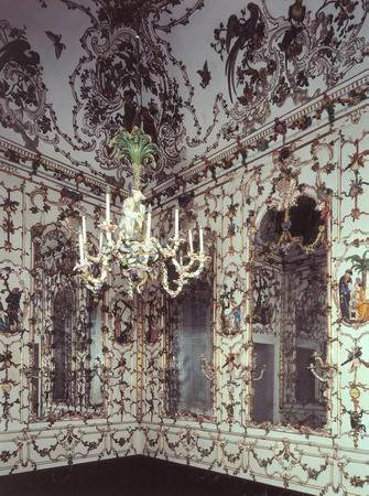 La duchessa porcellana di capodimonte - Salottino da interno ...