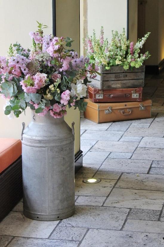 Oh mywedding lecheras antiguas en la decoraci n de la boda - Cosas antiguas para decorar ...