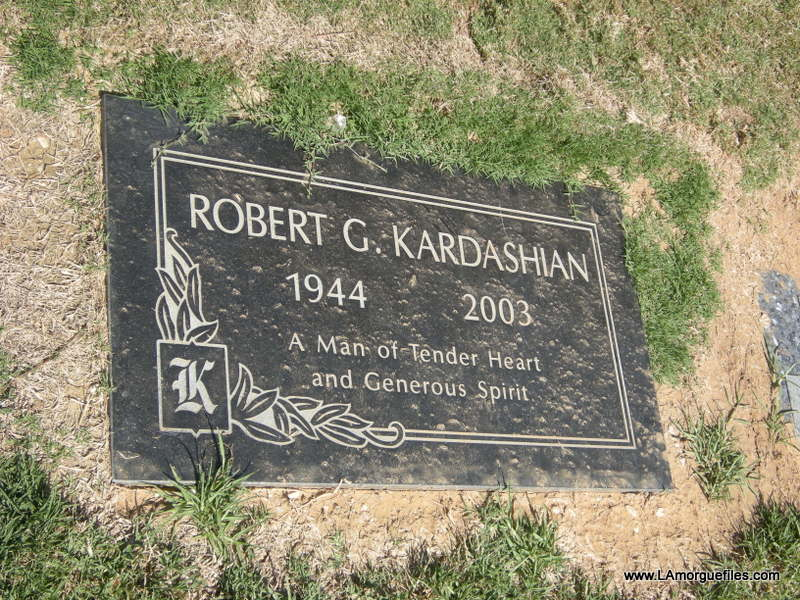 who was robert kardashian secretly dating