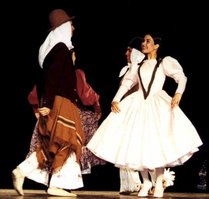 discreto bailarines trajes en Sabadell