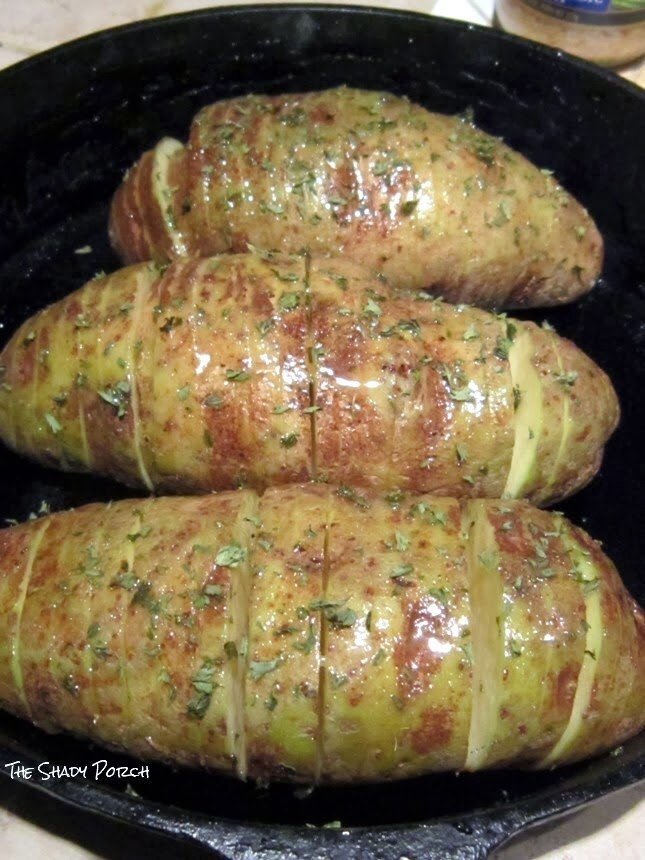 Hasselback Potatoes in Cast Iron Skillet