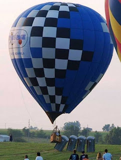 Balão de ar derruba Wc's