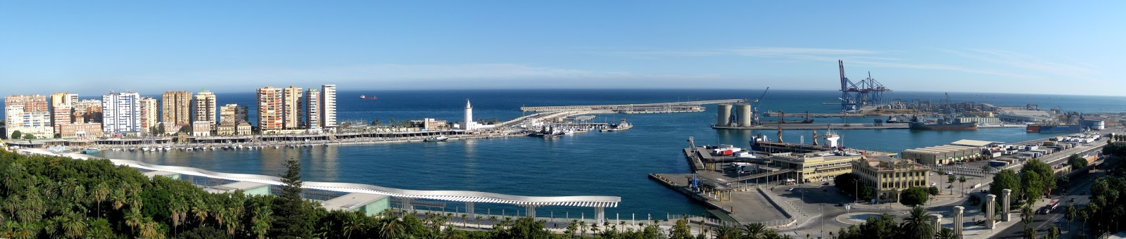 view over the harbour in Malaga