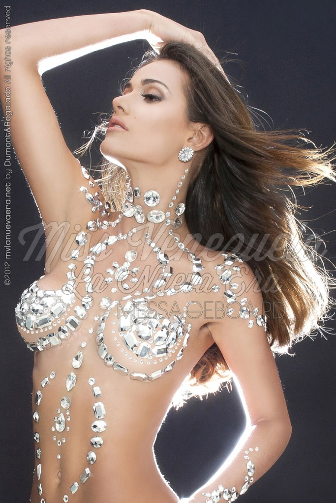 Miss venezuela wardrobe malfunction