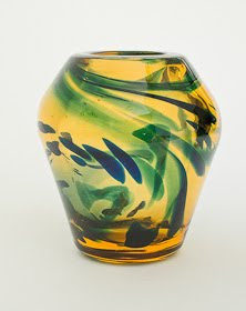 Heavy Thick-walled Cirrus Vase with random streaks pat. 9889