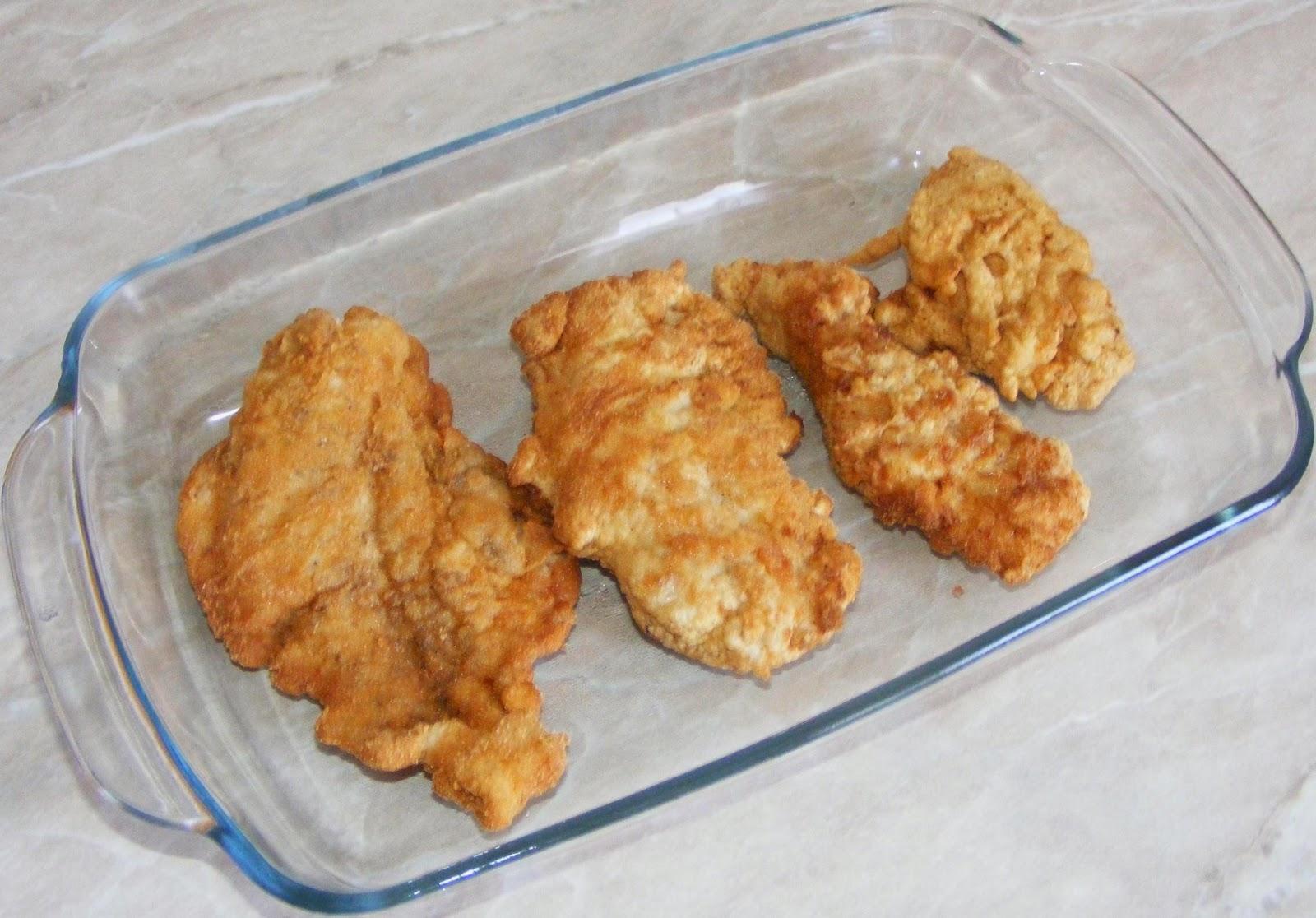 preparare pollo parmigiano, preparare pui cu parmezan, pui cu parmezan, pollo alla parmigiana, pollo parmigiano, pollo parmegiano, pollo parmigiana, retete de mancare, retete culinare, retete italiene, mancare italiana, snitele de pui, snitele de pui cu pesmet, snitel, snitele, pui parmegiano, retete cu pui, preparate din pui, polo parmegiano, chicken parmigiana, aperitive, parmigiano, parmezan,